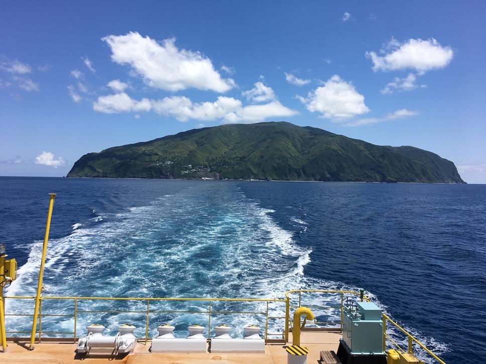 御蔵島出航