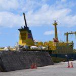 御蔵島 港 桟橋