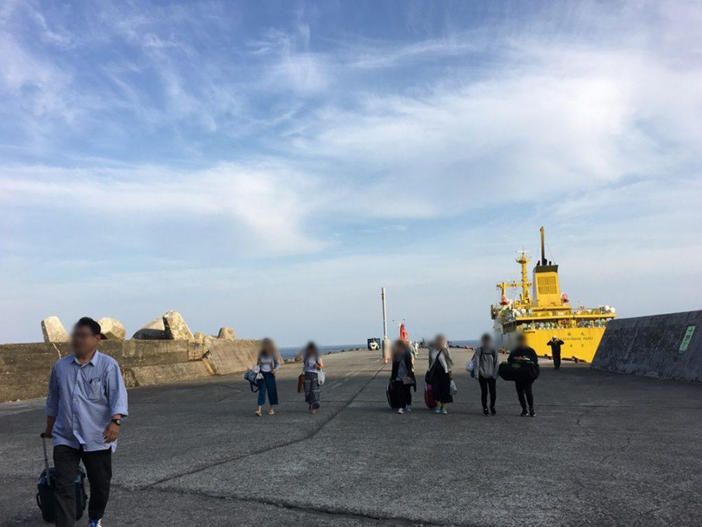 御蔵島 港