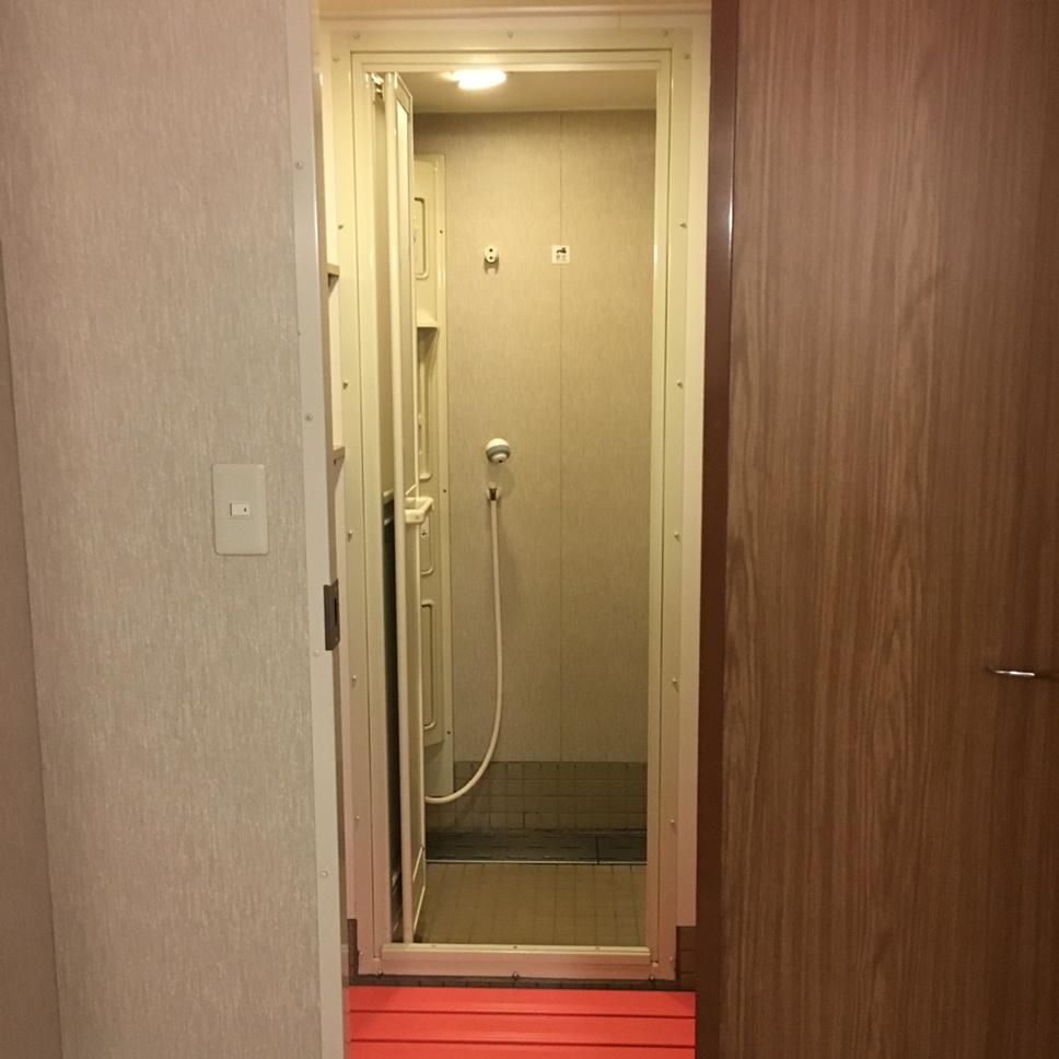 船 シャワー室
