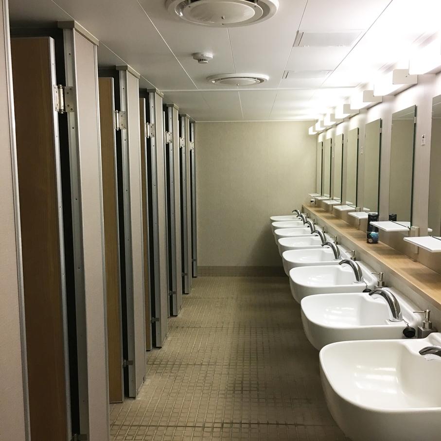 船 トイレ