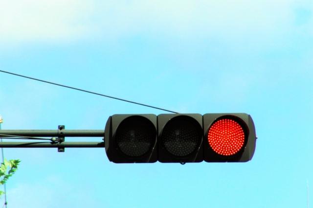 信号機 赤