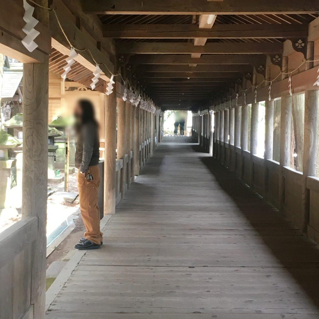 諏訪大社本宮の廊下