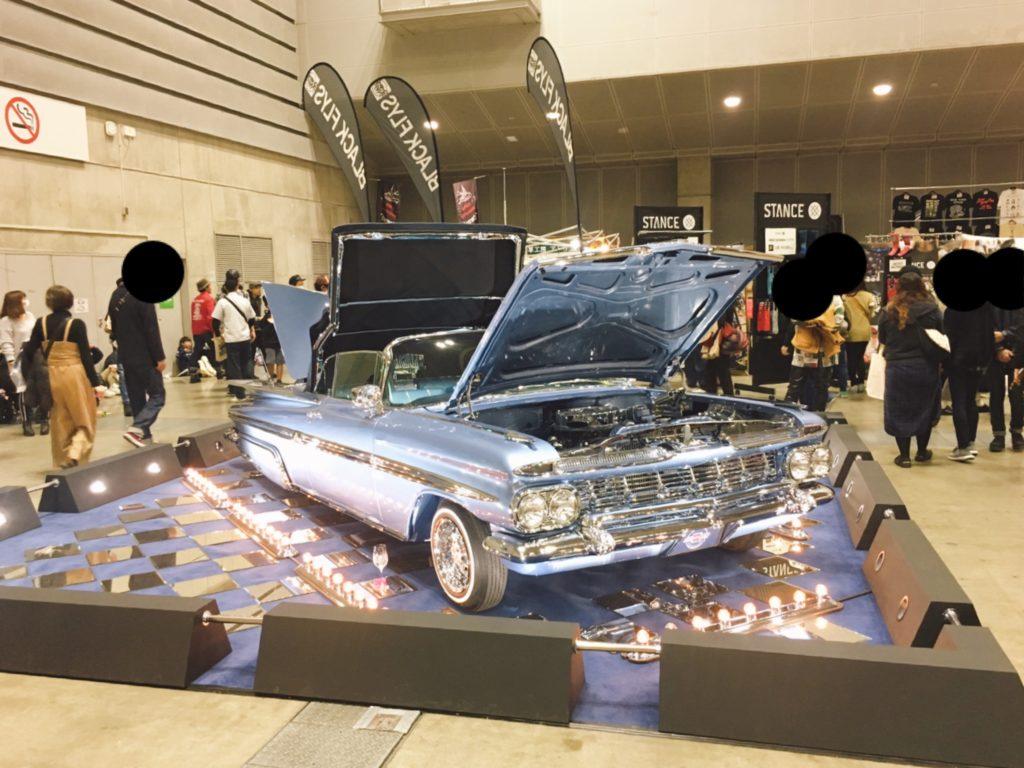 車のイメージのディスプレイ