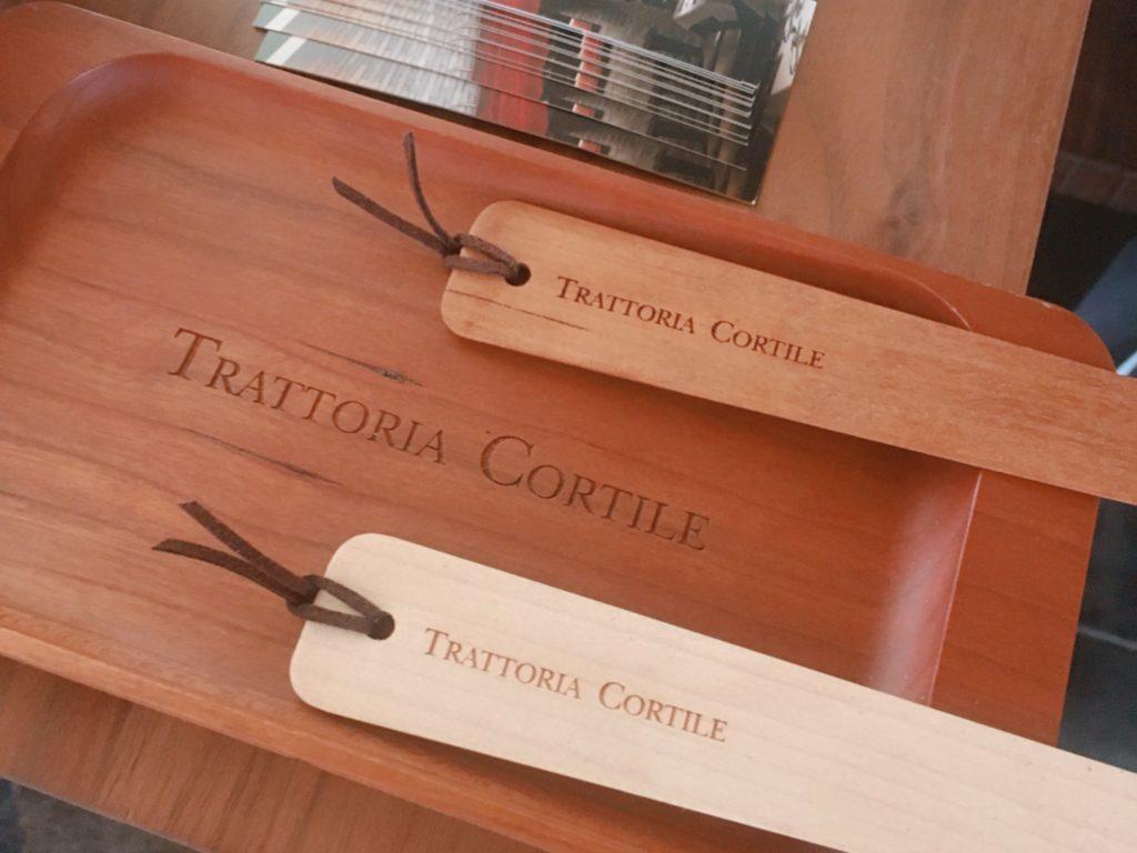 トラットリアコルティーレ こだわりのウッド