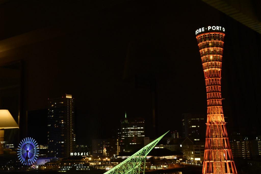部屋からの神戸の夜景