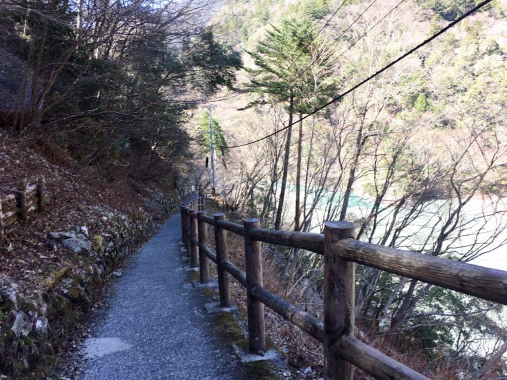 夢の吊り橋への道